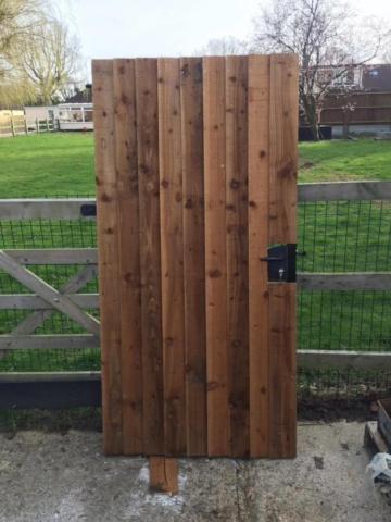Metal Side Gate Wooden Cladding With Locinox Lock
